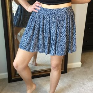2/$20  Floral Pattern Soft Pleat Flowing Skirt